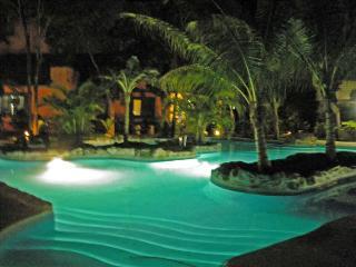 Villa Benson - Beautiful Contemporary Mexican Style Home!