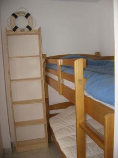 Coin cabine avec 2 lits superposés