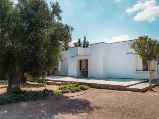 Experience in the countryside of Salento: Villa Serrazze
