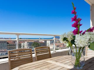 Bristol Park cannes (Luxury Seaview Apartment w/ Airconditioning,Wi-Fi.Parking), Cannes