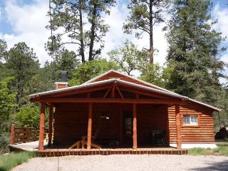 Cedar Creek Retreat - 2 Bedrm w/ loft 1 Bath Cabin, Ruidoso