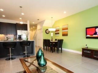 3 Bedroom 3 Bathroom Townhome with Splash Pool. 17530PA, Orlando