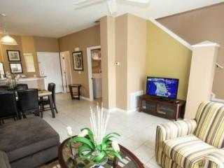 3 Bedroom 2.5 Bathroom Townhome with a Lake View. 3157YLL, Orlando