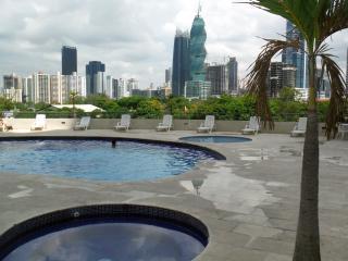 Douce France, Ciudad de Panamá