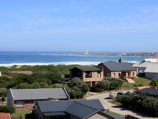 Cape St Francis Modern. FREE Wifi. Beautiful views