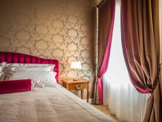 LADY CAPULET - The Baroness Apartment, Verona
