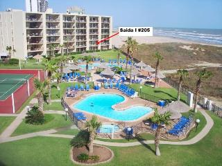 Beach Side Condo Sleeps 6 with 3 Pools &  4 Tennis Courts