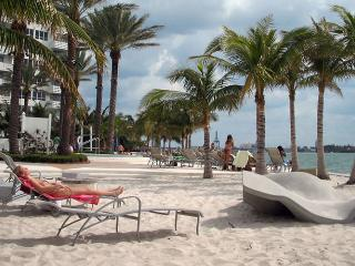 1/1 Flamingo resort south beach Miami Beach