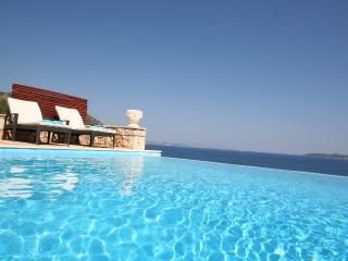 Seafront villa RISING SUN 6+1pers., private pool, 30m seaside areal Lefkada