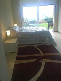 kingsize bedroom 1 - wake up to a stunning view of the lake