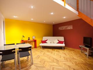 jokai4 apartment downtown budapest from 10 euro ppn (free wifi)