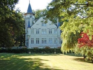 Chateau des Lutins, Lencloitre