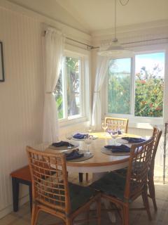 dining table corner
