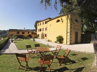Villa Silvestre, Massa e Cozzile
