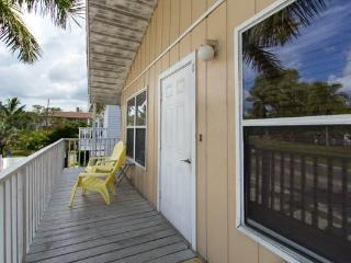 Cast Away Vacation Rental(Yellow)Anna Maria Island, Holmes Beach
