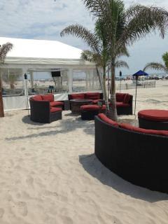 relaxing at the Diamond Beach Club with tiki bar and restaurant