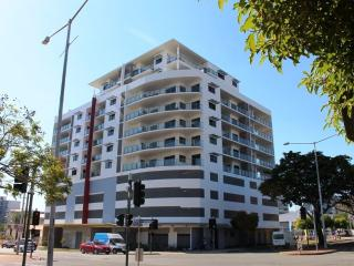 LUCKY CHARMS Holiday Apartment - (CBD) DARWIN, Darwin