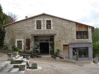 Côté lavoir, Aubeterre-sur-Dronne