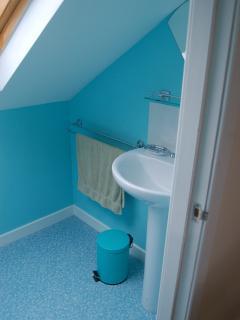 Brolas - upstairs toilet sink