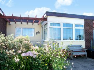 """""Philoctetes"" Widemouth Bay Holiday Bungalow"