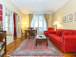 Clair de Lune- a two bedroom apartment-Montmartre