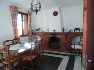 Right in the heart of South Corsica, characteristic house with balcony and mountain view, Pianottoli-Caldarello
