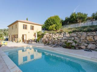 Garden home with pool 5 min from Cannes & beac