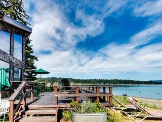 Beach-side home w/mooring & views of Puget Sound!, Lopez Island