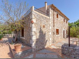 Charming Villa in the village of Buger