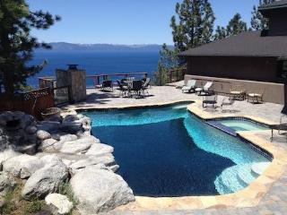 Tahoe Luxury 7-bedroom house with pool, Glenbrook