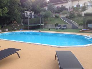 VILLA INDIVIDUELLE EN PROVENCE VERTE AVEC PISCINE, Tourves