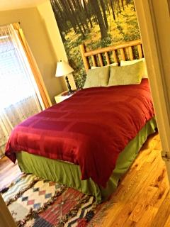 Second Bedroom w/ Queen bed