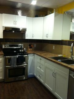 Well equip kitchen,stainless appliances,coffee machine,toaster,microwave and much more