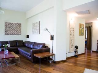 Bauhaus, charming super central 2BR @shlomo hamelech st.!, Tel Aviv