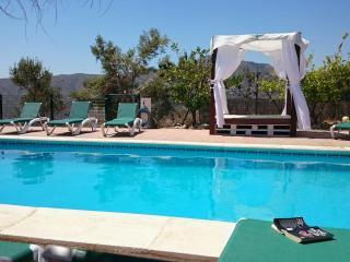 Botin. Beautiful Villa, heated pool, sea views., Comares