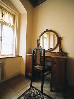 Front Bedroom - Vlasska 6