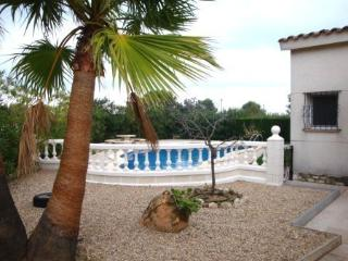 Seaside villa with garden and pool, L'Ampolla