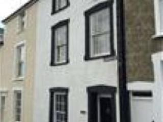 3 Bed House in Village Centre -sleeps up to 6, Aberdovey