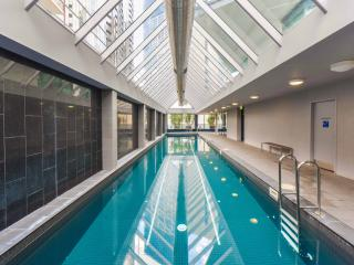 StayCentral Cityviews corporate; gym pool three bedrooms great view