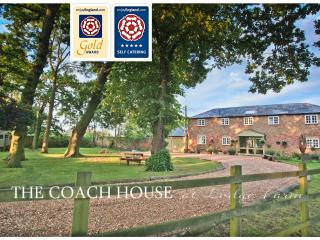 The Coach House at Lodge Farm with Hot Tub, 5*Gold