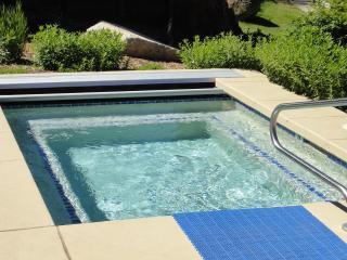 3B /3.5 Baths Minutes to South Lake Tahoe Casinos, Heavenly Gondola, Restaurants
