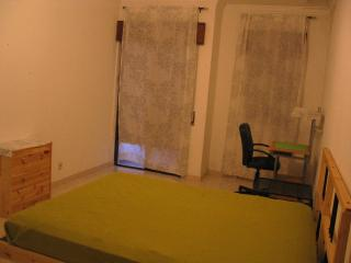 Rooms in a cool environment in Setúbal, Setubal