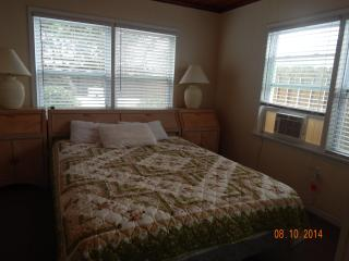 Newly Renovated Ocean Blvd. Cottage A