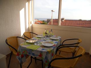 A one bedroom apt in city centre, Petrovac