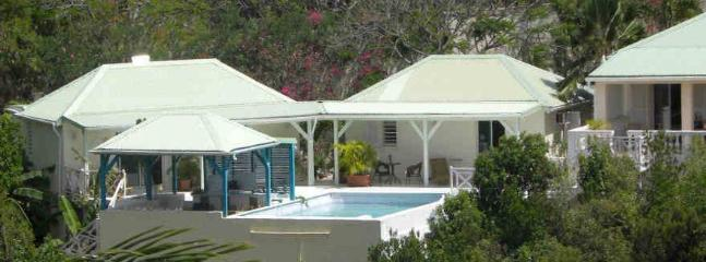 Villa Oasis, 3 to 6 bedrooms in Terres Basses,