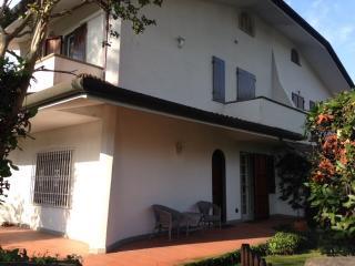 holiday home Villetta Cinquale a 600 mt dal mare