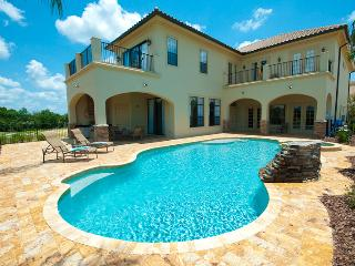 Legends Escape - 6/6.5, Pvt Pool/Spa, BBQ Grill, FREE Waterpark Access