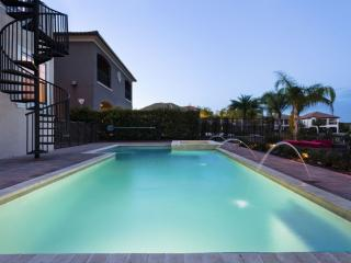 Luxury on a budget - Reunion Resort - Amazing Contemporary 6 Beds 5 Baths  Pool