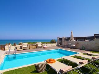 Iris Luxury Beach Front Residence, Rethymnon