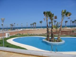 Apartamento Roquetas wifi y primera linea de playa